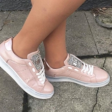 Sneakers i rosa